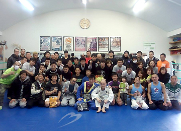 大阪の総合格闘技道場コブラ会
